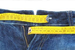 Die Jeans Bundweite richtig messen