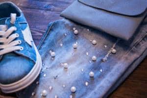 Jeans mit Perlen - ein sehr femininer Trend