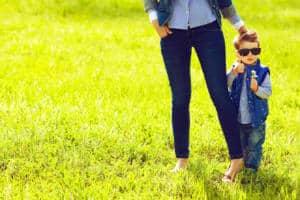 Mit der Mom-Jeans Problemzonen kaschieren